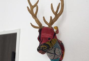 鹿の壁飾り